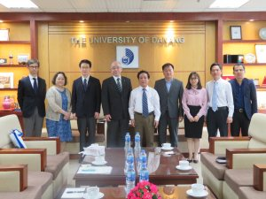 Photo:Visit to the University of Da Nang